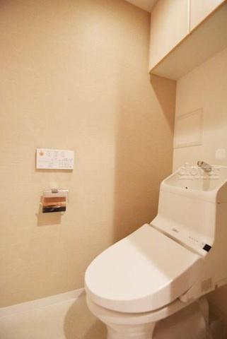 トイレトイレ 上部収納有り ウォシュレット