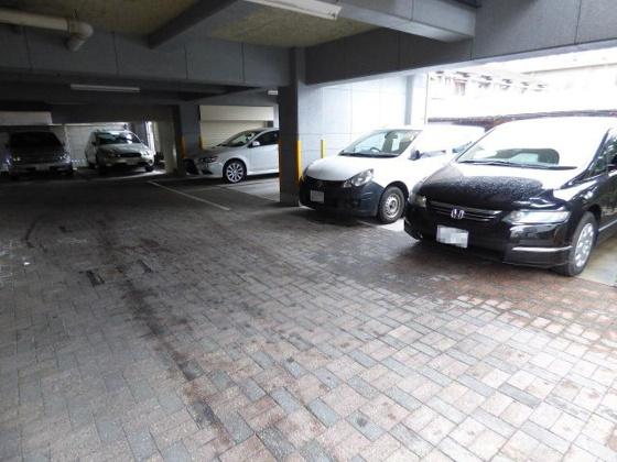 駐車場駐車場が敷地内にあると安心。