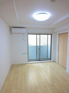 洋室6.4帖の居室