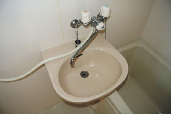 洗面所コンパクトながら洗面台も