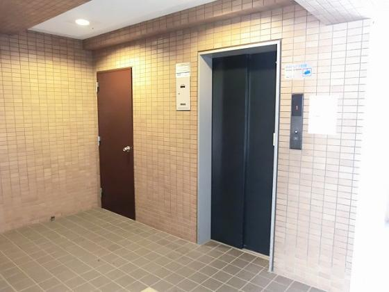設備エレベーター