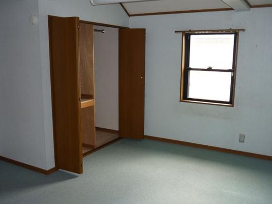 洋室2階(7.5帖)