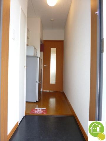 玄関※写真は別のお部屋です