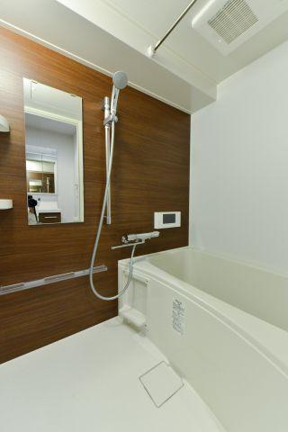浴室浴室テレビ、浴室換気暖房乾燥機付き