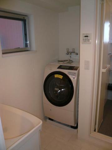 洗面所メゾン青山 ドラム式洗濯機(無償貸与)※設備ではありません
