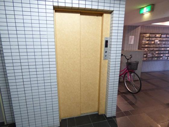 その他嬉しいエレベーターも完備。