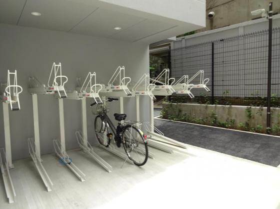共有部分アンジェラ神宮前 自転車置場