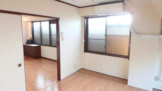 寝室6.5帖の寝室