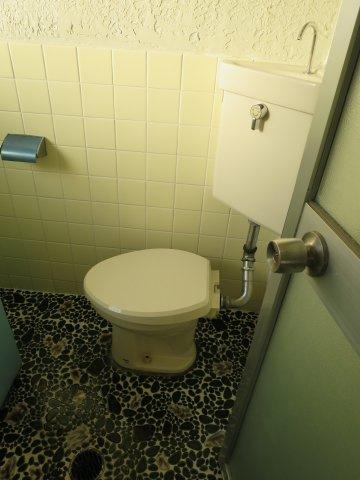 トイレトイレもきれいです