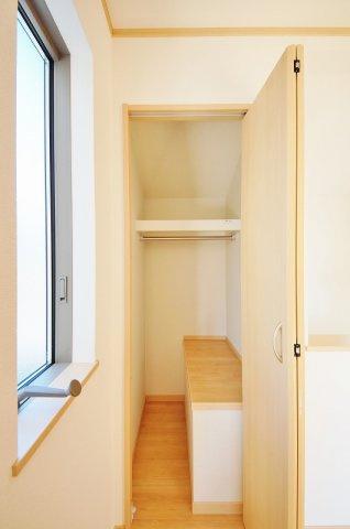 収納2階廊下収納
