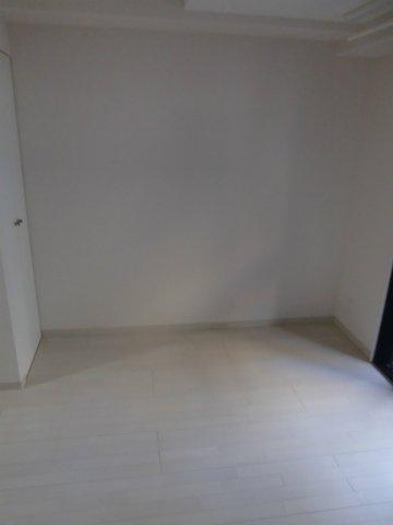 洋室フローリングの居室