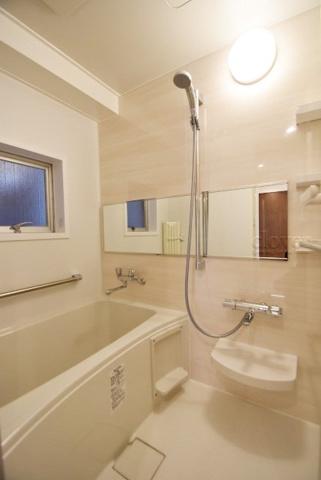 浴室バスルーム 窓付き