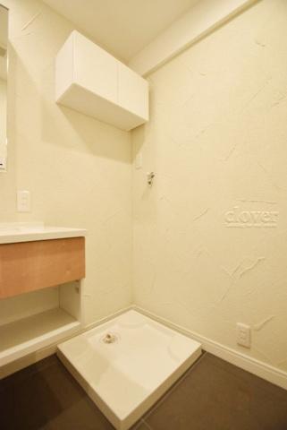 内装防水パン(洗濯機置き場) 上部収納有
