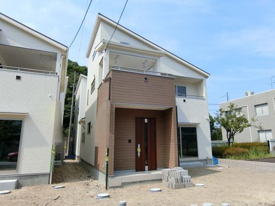 外観JR大竹駅まで徒歩12分!収納充実のオール電化新築住宅です♪