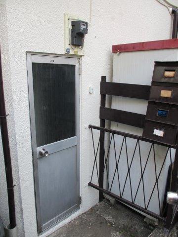 玄関神浦アパート
