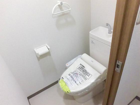 トイレ・ウォシュレット付けました