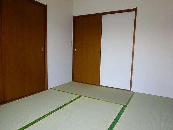 和室カーペットを敷いちゃえば洋室に早変わり