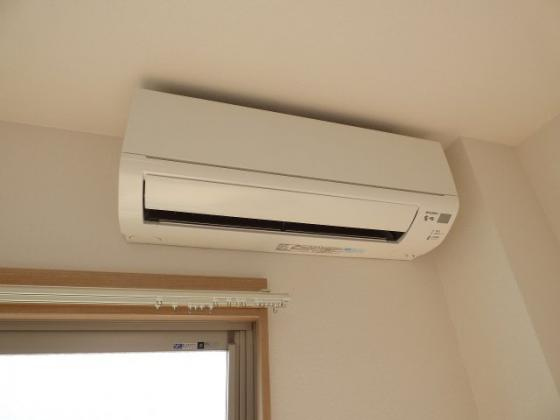 設備エアコンがあると快適ですね。