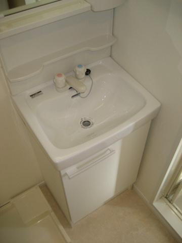 独立洗面台※写真は同タイプのお部屋のものです