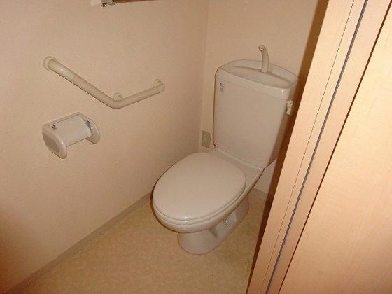 トイレ温水洗浄便座を新規設置予定です