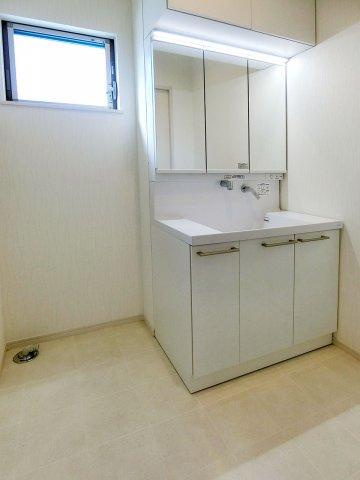 独立洗面台シャワー付き洗面化粧台