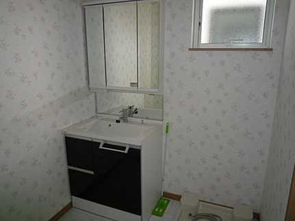 外観三面鏡洗面化粧台