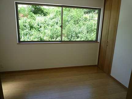 外観三階洋室