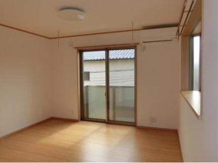 居間※2面採光は角部屋のみです。