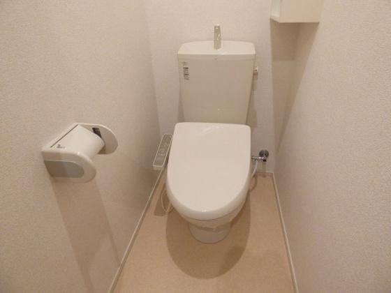 トイレ温水洗浄便座はうれしい機能。