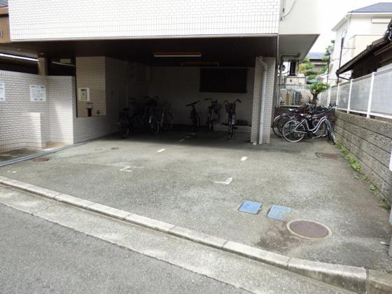 その他敷地内駐車場もあります。