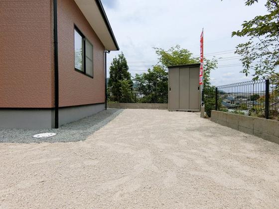 その他見晴らしが良く開放感のあるお庭♪ 物置も付いています!