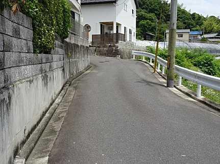 前面道路含む現地写真JR下祇園駅まで徒歩21分 角地・閑静な住宅街
