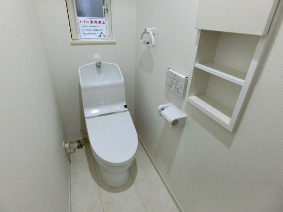 トイレ窓があり換気も安心