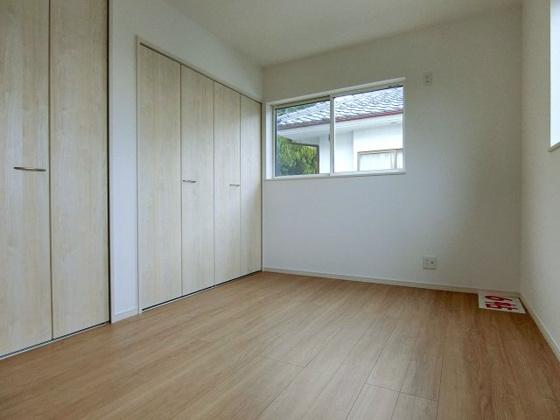 洋室2階6帖洋室