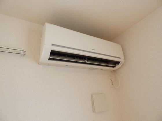 設備1年中快適なエアコン完備。