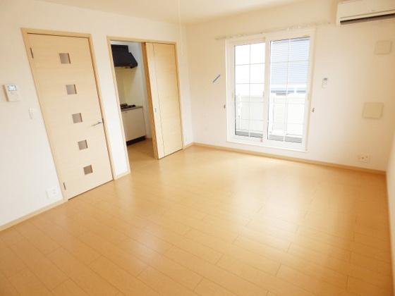 居間ゆったりくつろげる空間。