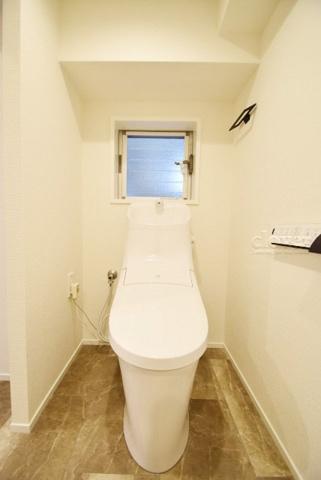 トイレトイレ ウォシュレット付き