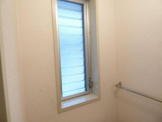 その他トイレにも窓があり衛生的。