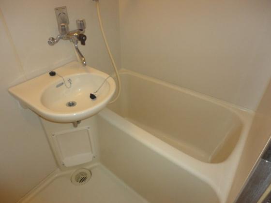 浴室写真は別室です。