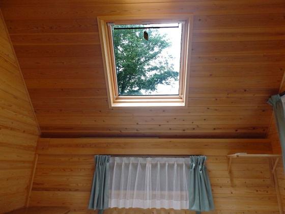 内装2階の天窓から星空を眺めることができます♪