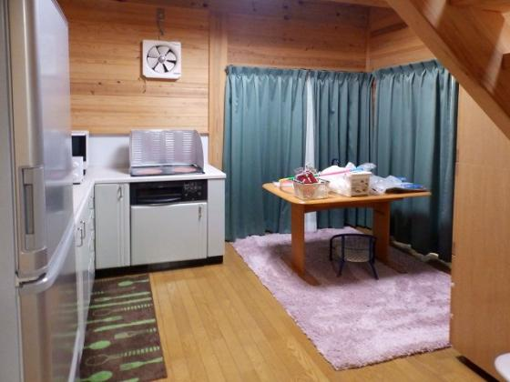 キッチンお料理好きの方にうれしいL字型のシステムキッチン 収納もたくさん有り