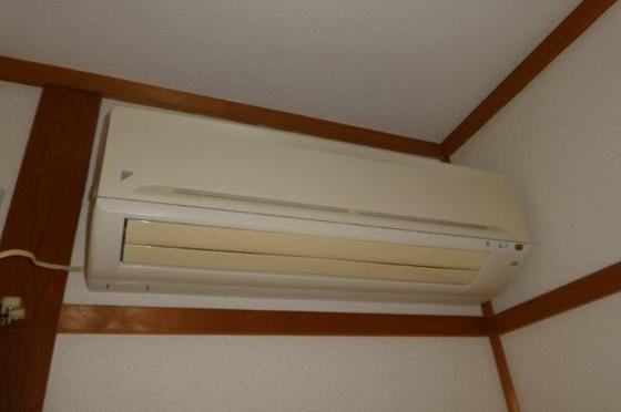 設備和室エアコン