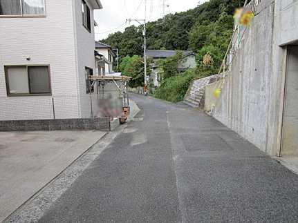 前面道路含む現地写真リフォーム済・敷地面積広々60坪 JR戸坂駅まで徒歩5分