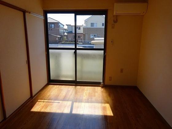 洋室南側6帖洋室 エアコン付き