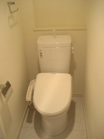 トイレ※写真は同タイプのお部屋のものです