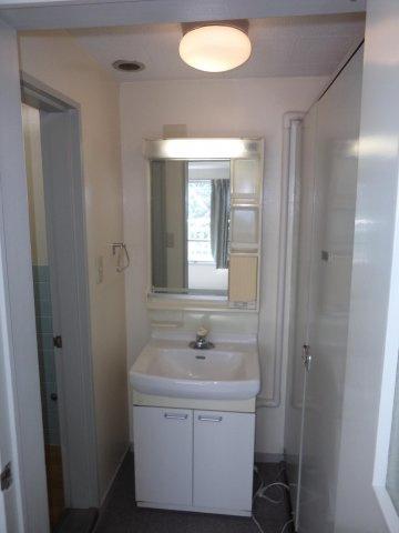 洗面所クレインハイツ (※室内清掃前)