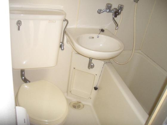 トイレ※写真は同タイプのお部屋のものです。