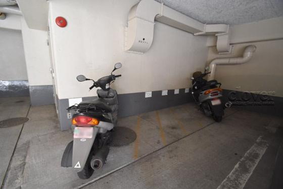 共有部分バイク置場