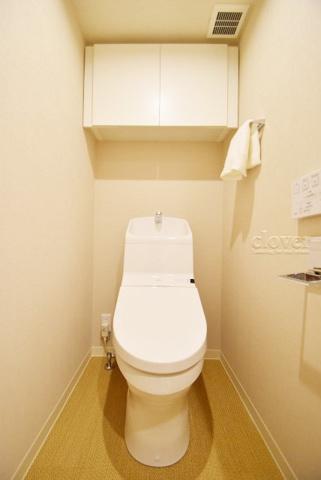 トイレトイレ 上部収納有り ウォシュレット付