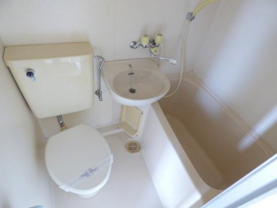 その他清潔感溢れるバスルーム。